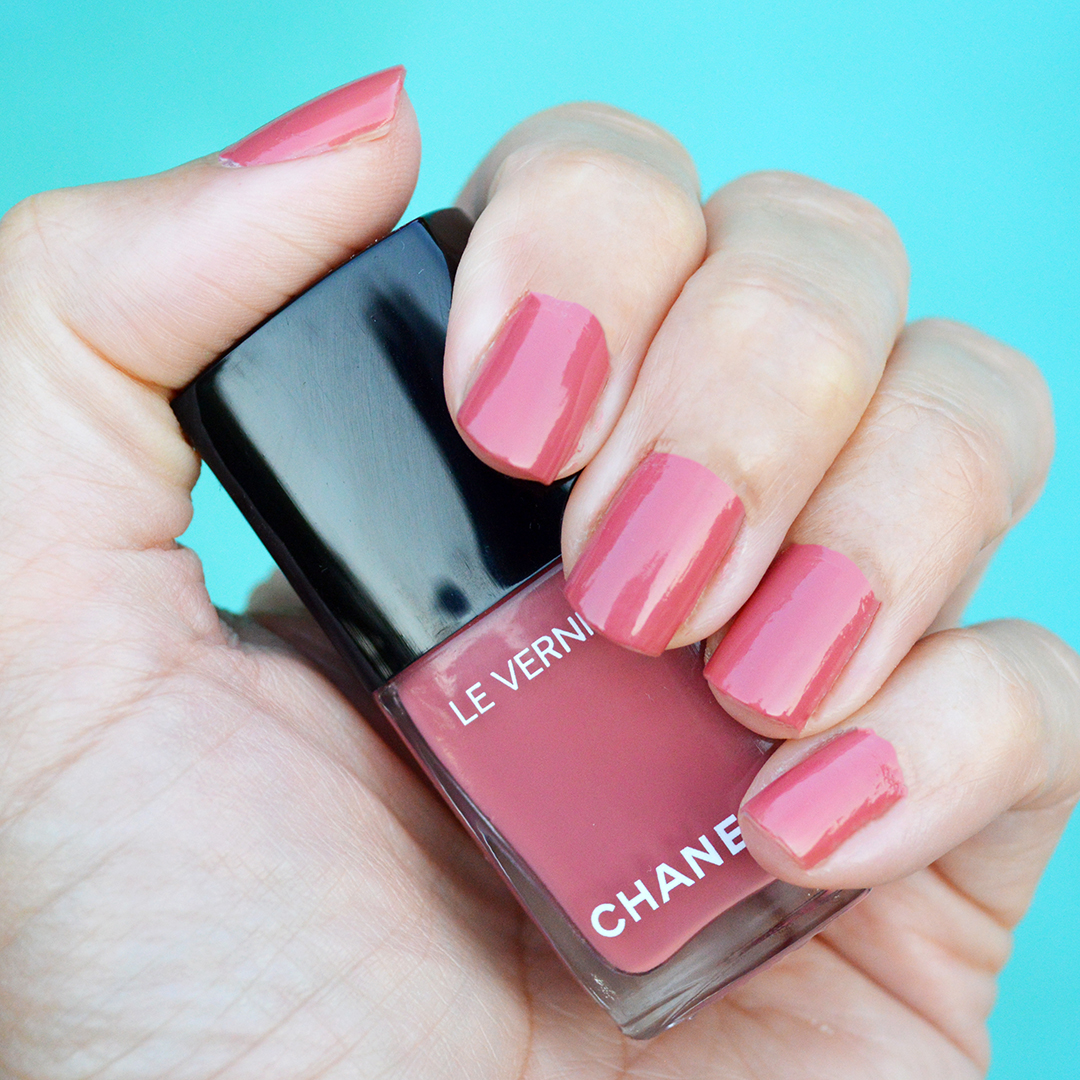 Chanel Rose Confidentiel nail polish review