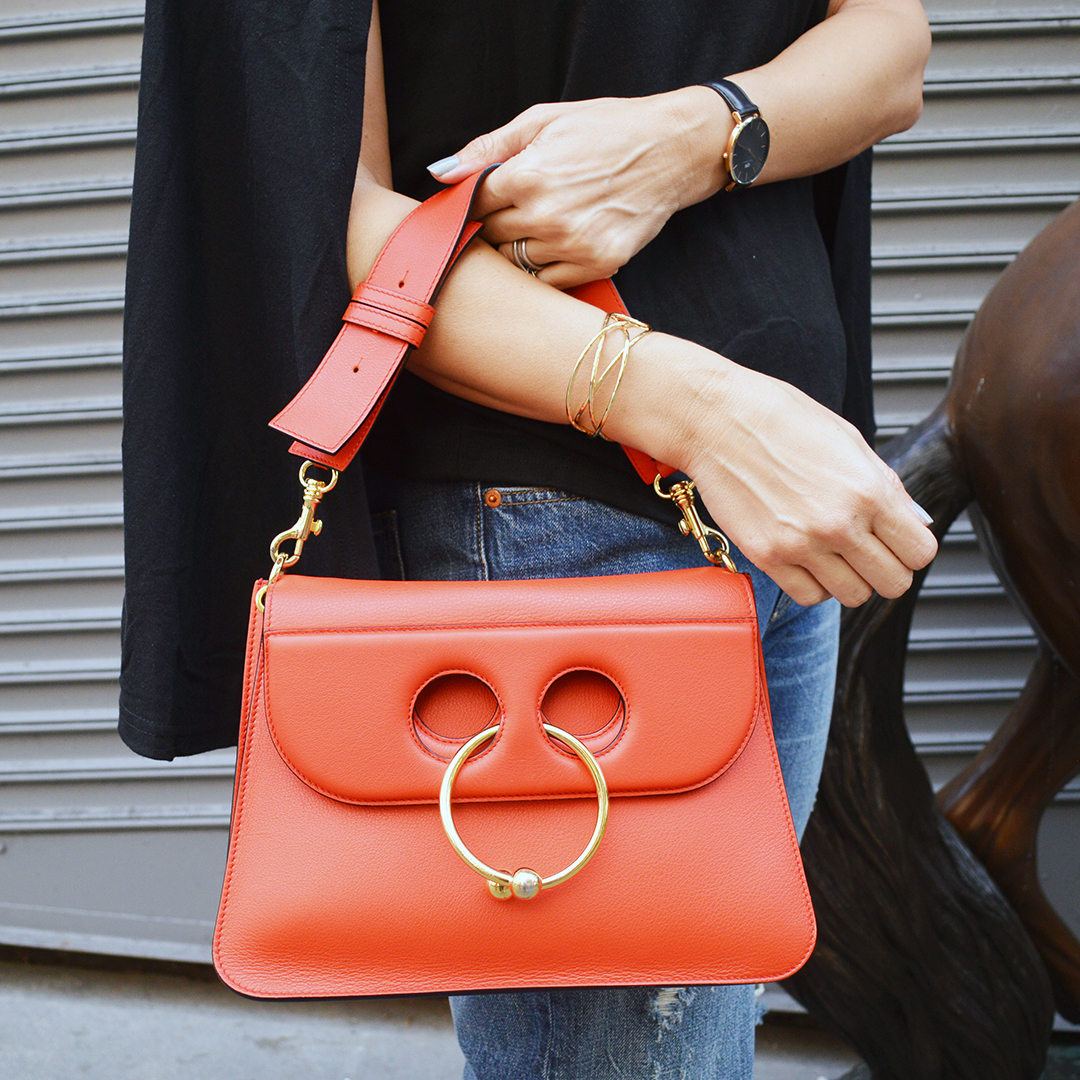 jw anderson bag street style blogger