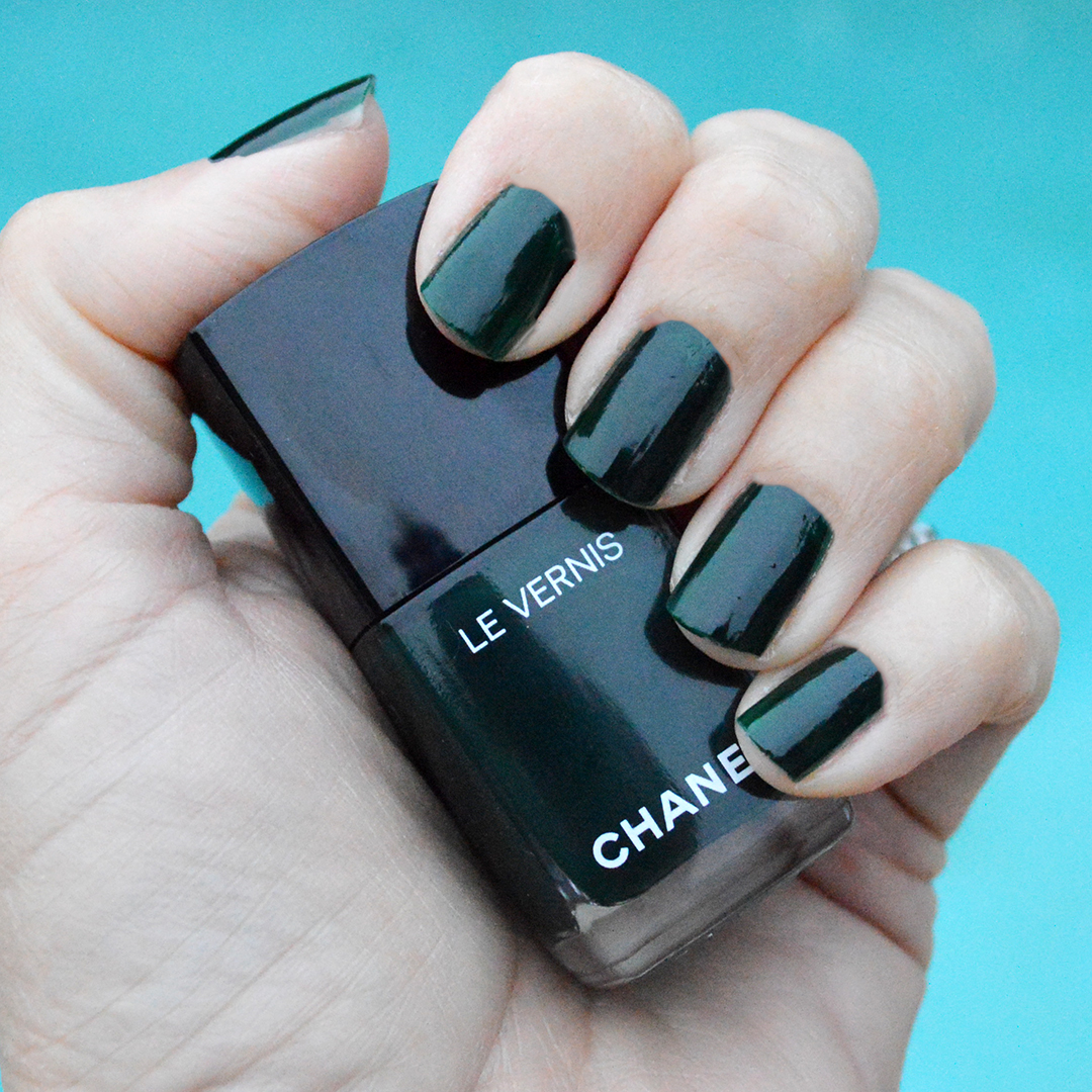 chanel fiction nail polish holidays 2017