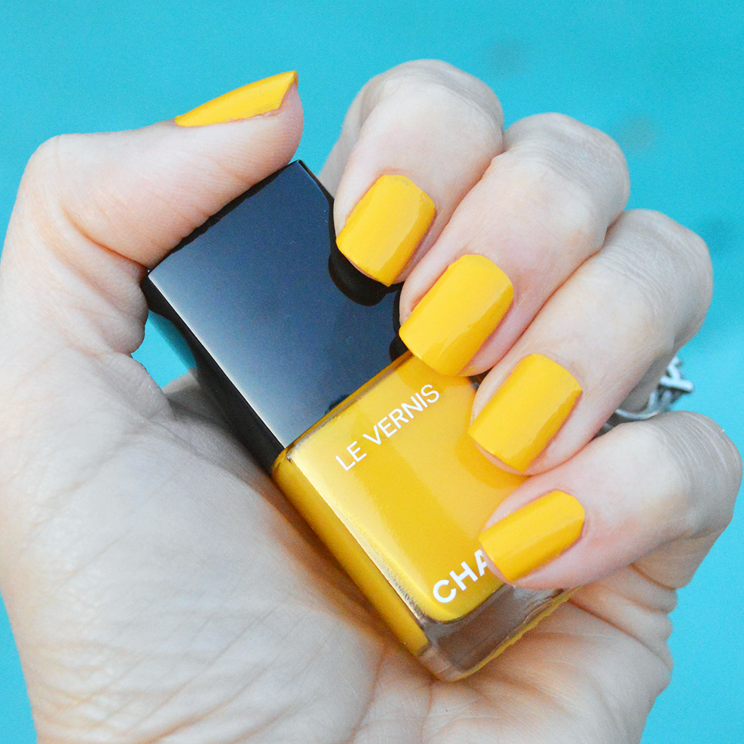 chanel giallo napoli nail polish spring 2018 review