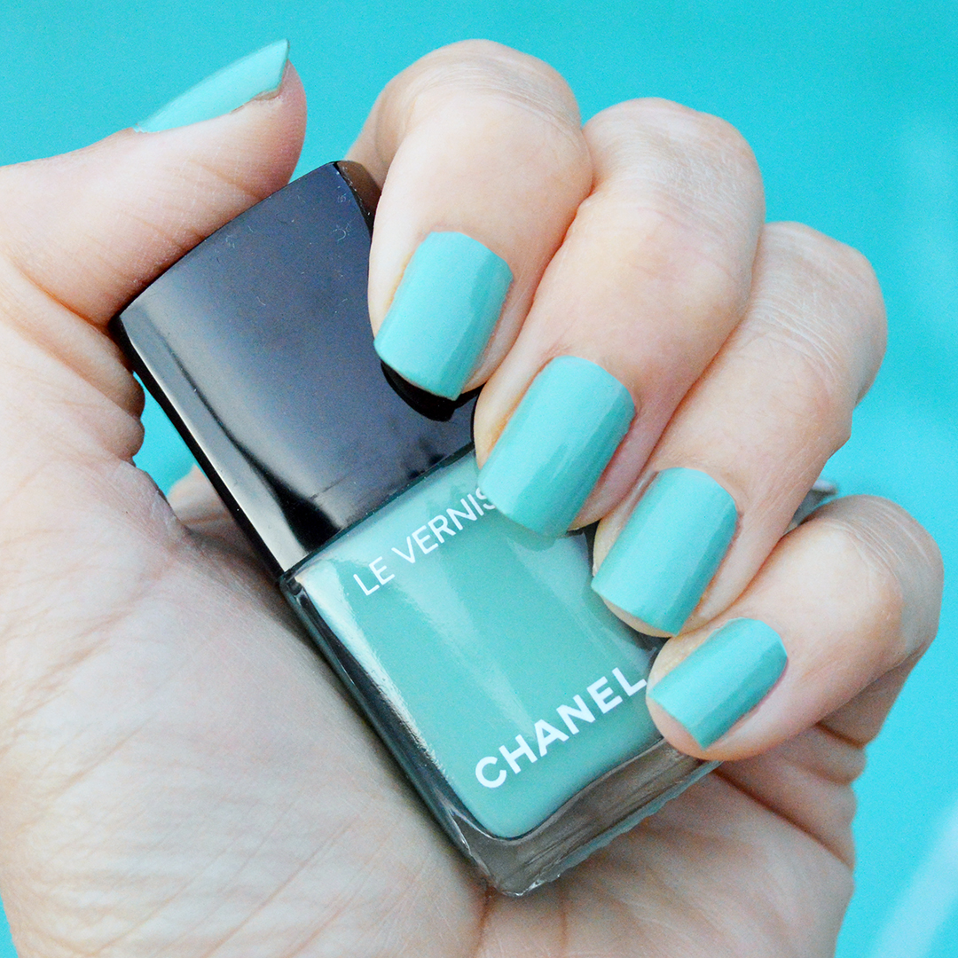 chanel verde pastello nail polish review