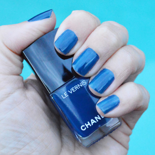 Chanel Bleu Trompeur nail polish review