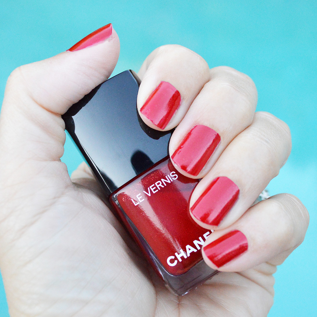 chanel nail polish holidays 2018 flamboyance