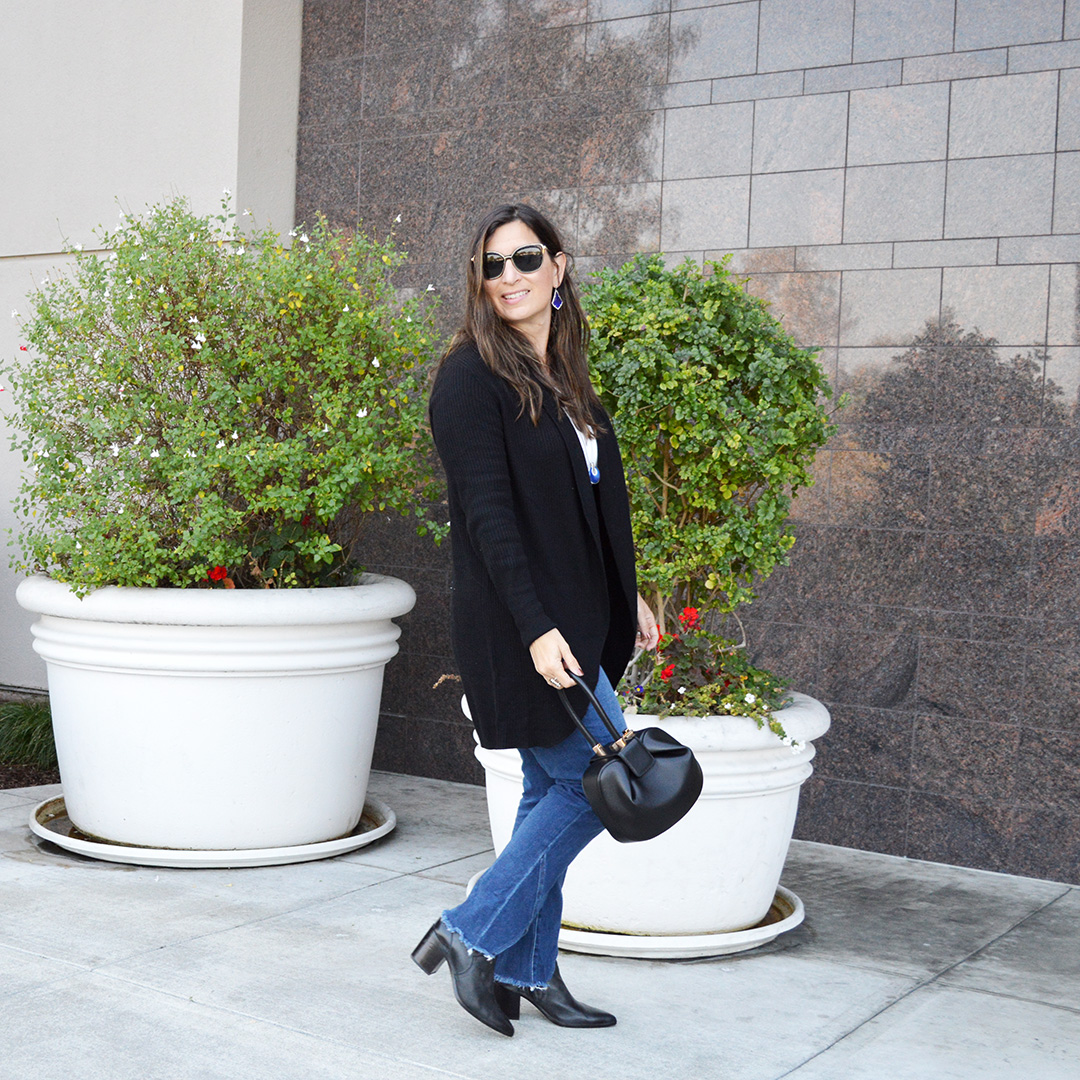 fall black cardigan and jeans