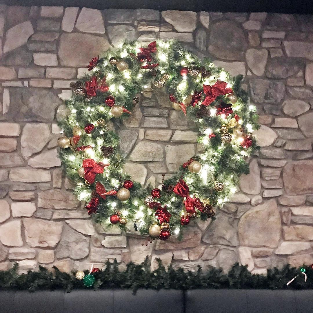 christmas wreath justins santa clara