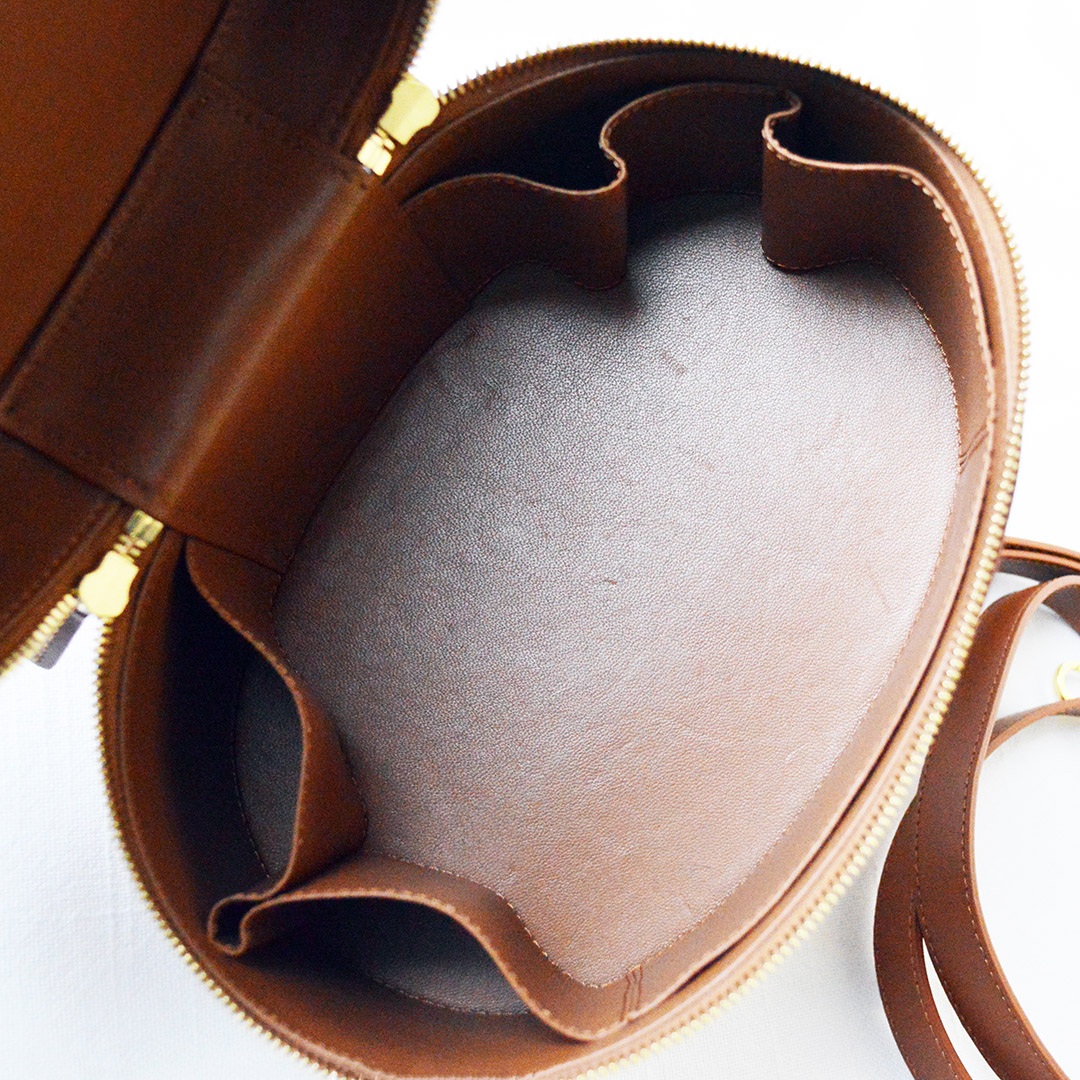 mansur gavriel train case inside pockets