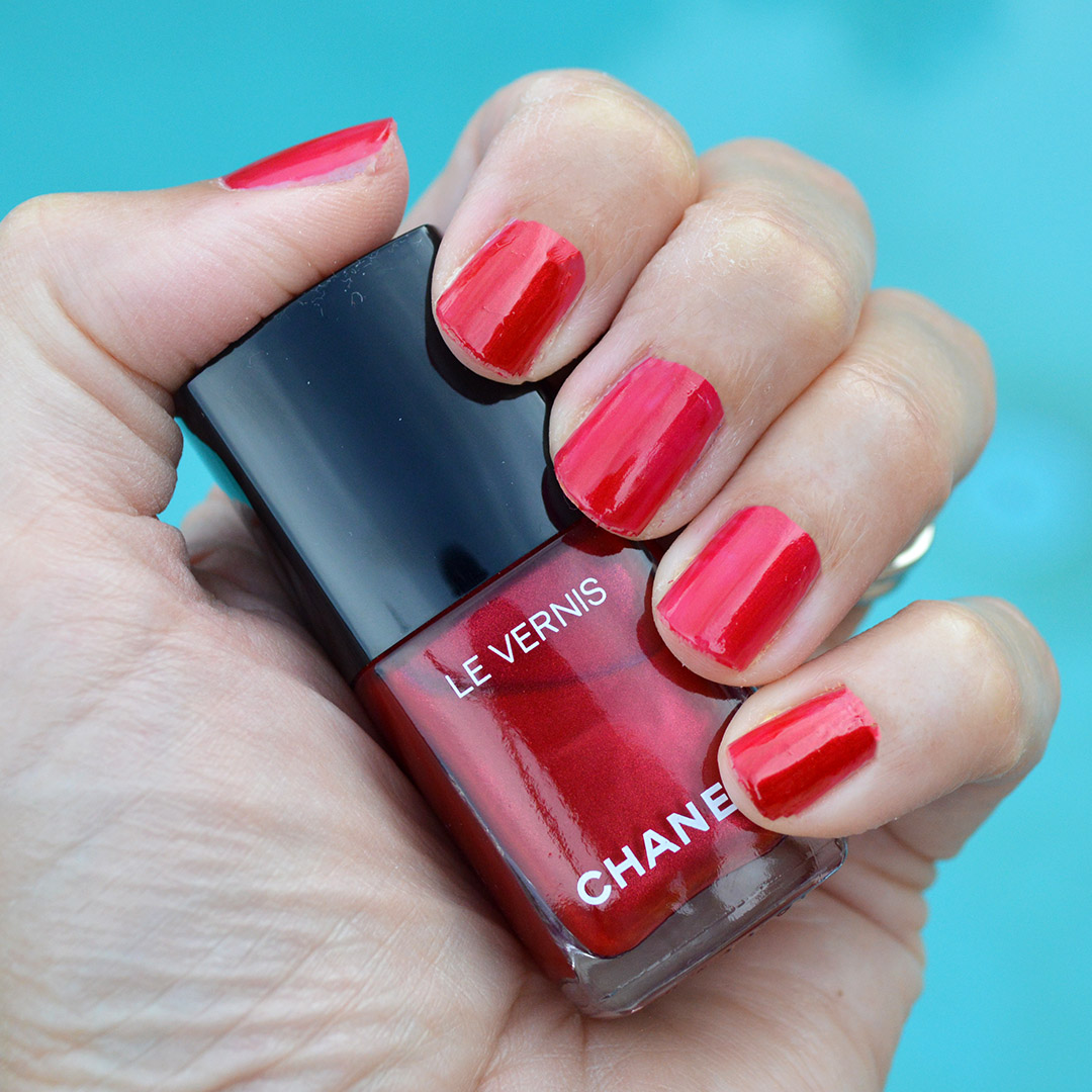 chanel radiant red nail polish summer 2019 review