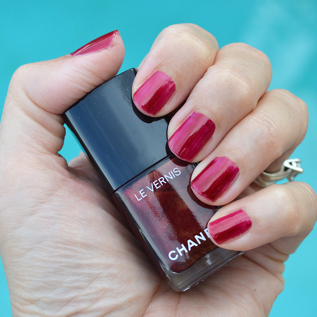 chanel radiant rouge noir nail polish summer 2019 review