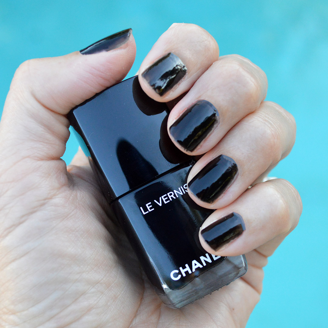 chanel pure black nail polish fall 2019 review