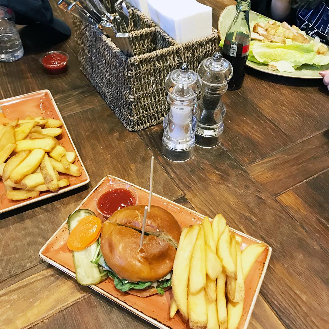 lunch cia greystone